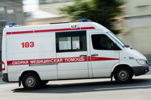Очевидцы спасли выпрыгнувшего из горящей квартиры ребенка в Томске (видео)