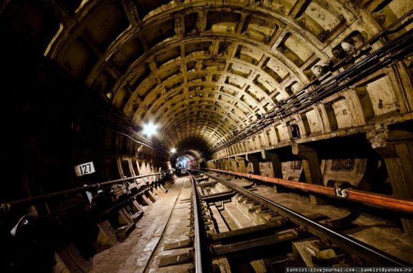 Петербургский метрополитен начал работу в полном объеме