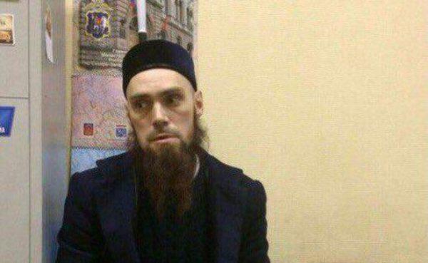 Разыскиваемый в Петербурге мужчина заявил о непричастности к теракту