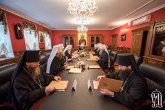 Священный синод УПЦ проводит заседание