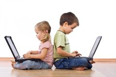 Депутаты из Ленобласти хотят запретить детям до 14 лет заходить в соцсети