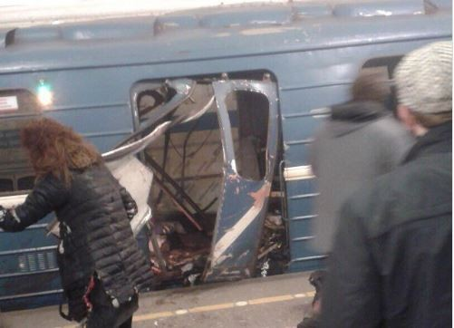 В петербургском метро произошли взрывы