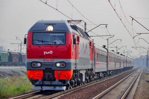 Начальник поезда РЖД принял роды у пассажирки