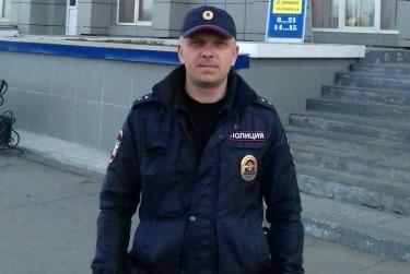 Сотрудник полиции спас в иркутском городе Зима девочку из пожара