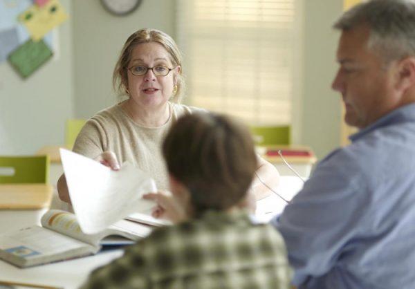 В войне с учителем родители победят
