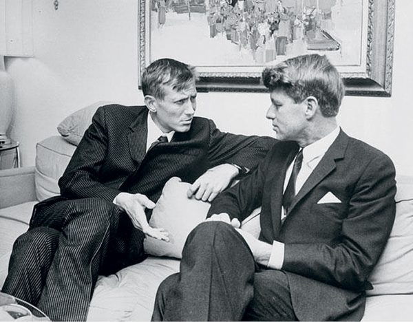 Евгений Евтушенко с Робертом Кеннеди