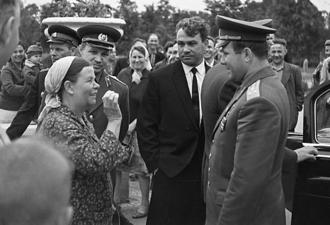 Бабушка, которая перекрестила Гагарина (+фото)
