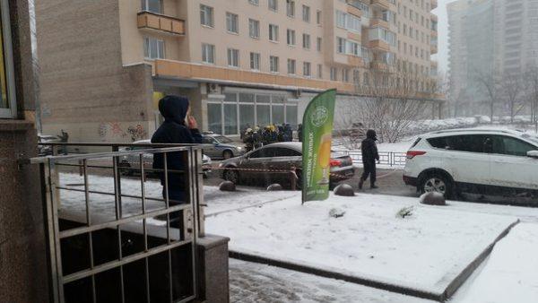 В Петербурге в руках у подростка сработало взрывное устройство