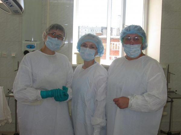 Екатерина Сухарева (в центре)