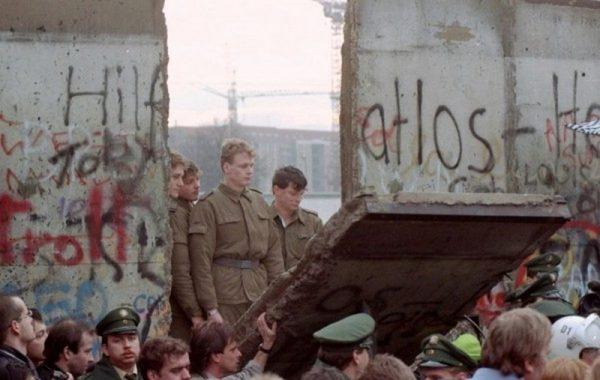 Падение берлинской стены. Фото: АР