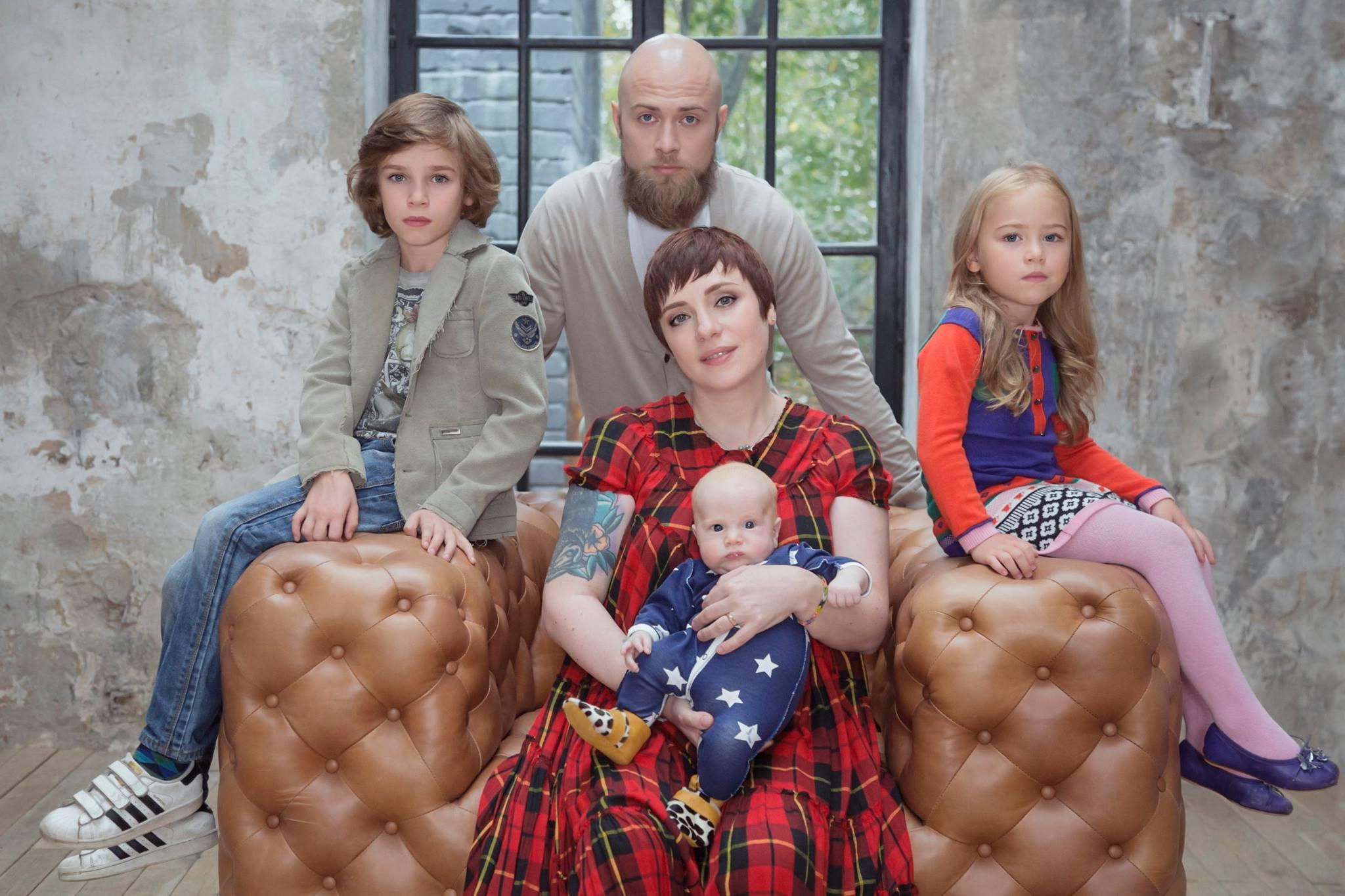 Тутта ларсен с детьми и мужем фото