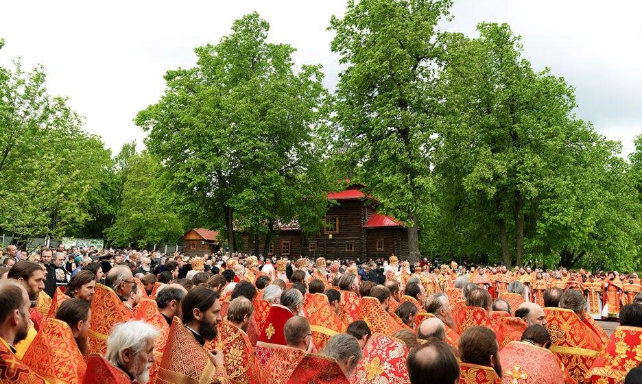 Патриаршее служение на Бутовском полигоне. Фото: patriarchia.ru