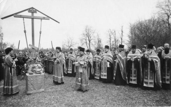 Первое богослужение у Поклонного креста на Бутовском полигоне
