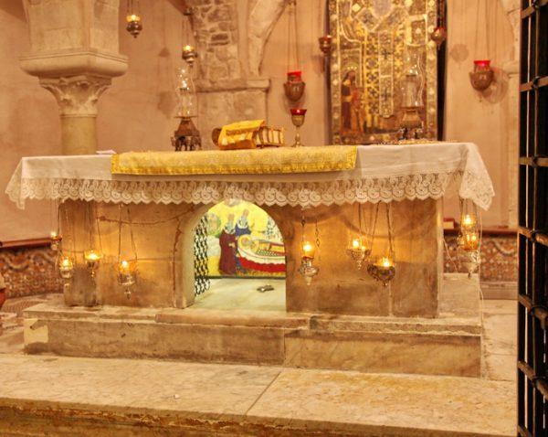 Престол над мощами святого Николая. Фото: orthodox.org.ua