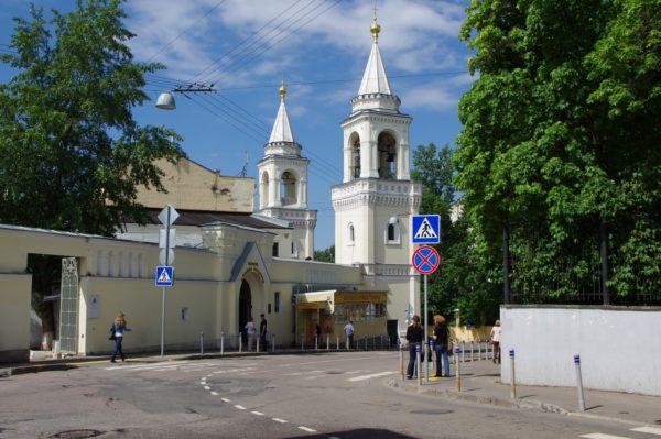 maliy-ivanovskiy-pereulok-dom-2-monastery-2013_05