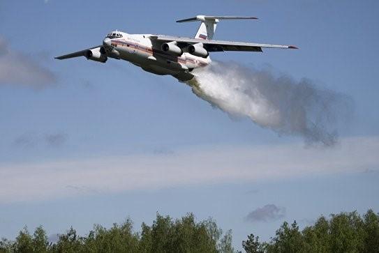 Экипаж самолета спас 20 пожарных в Иркутской области