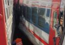 В Москве электричка врезалась в поезд, два человека пострадали