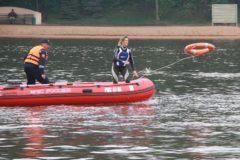 Очевидец спас тонувшую в Москве-реке девушку