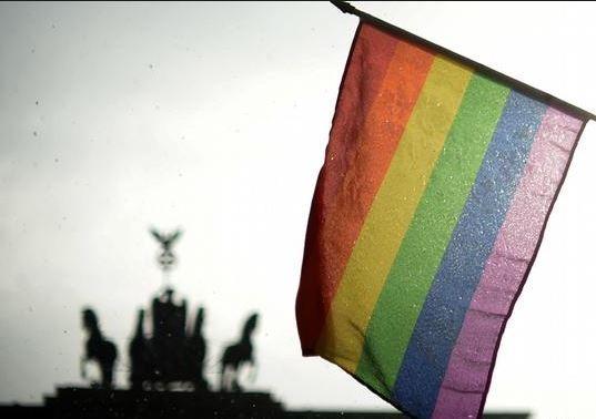 Бундестаг одобрил законопроект, предусматривающий однополые браки