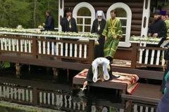Патриарх Кирилл освятил исток Волги