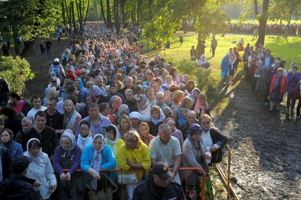 Мощи Николая Чудотворца последний день пребывают в России