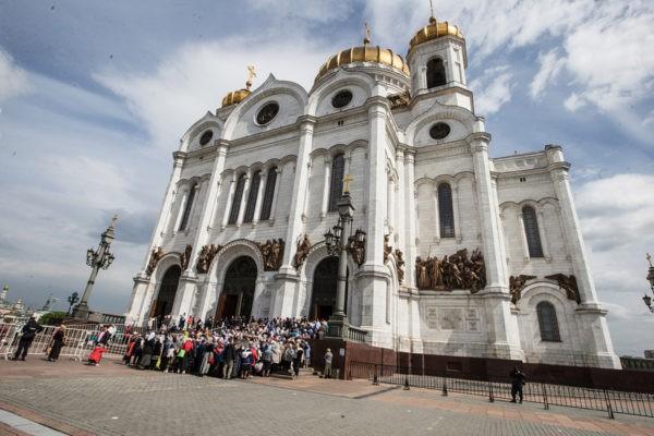 Мощи Николая Чудотворца последний день пребывают в Москве