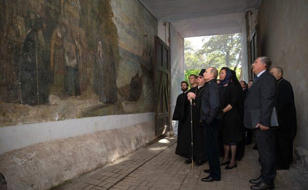 Владимир Путин посетил Коневский монастырь