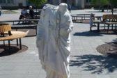 Вандалы отбили голову скульптуре Богородицы во Львове