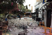 Два человека погибли и 200 пострадали при землетрясении в акватории Эгейского моря (фото)