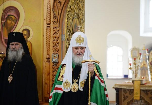 Патриарх Кирилл: Сегодня многие люди – потенциальные жертвы темной силы