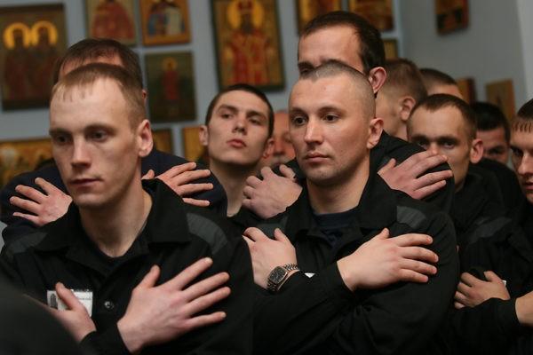 Очередь в храм заключенные ждут месяцами