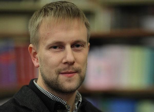Николай Бреев: Хватит листать Фейсбук, пора двигаться вперед!