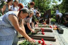 В Горловке увековечили память погибших в боевых действиях мирных жителей