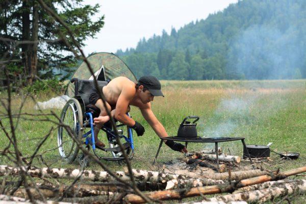 Как инвалиду выжить в дикой тайге