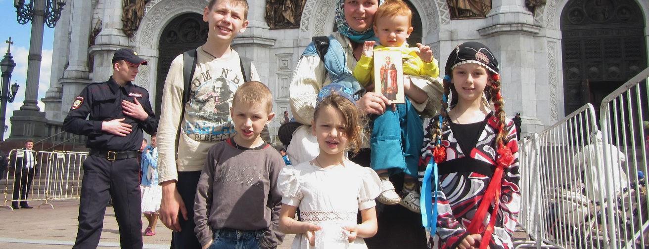 Мама и волонтер: три разных пути к святителю Николаю