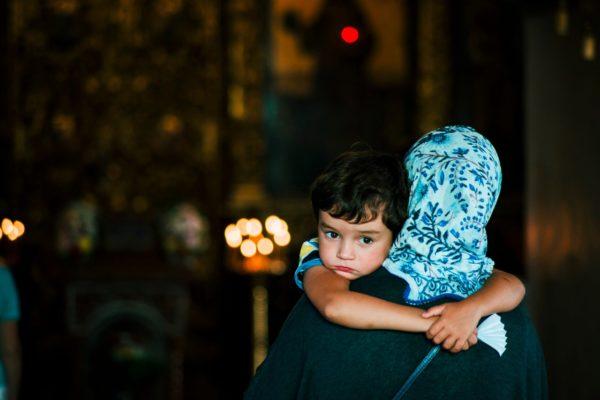 Архимандрит Андрей (Конанос): В церкви ребенок слышит красивые слова, а дома кипят страсти