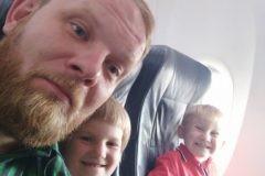 «Победа» разлучила на время полета многодетную семью священника