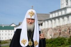 Патриарх Кирилл призвал монахов быть примером для верующих