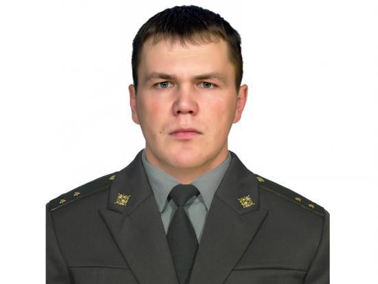 Военнослужащий Росгвардии спас ребенка, падающего из окна дома в Томской области