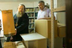 Глава Донской митрополии передал вещи для пострадавших при пожаре
