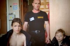 Охранник Уральского вуза спас тонувшего в пруду ребенка