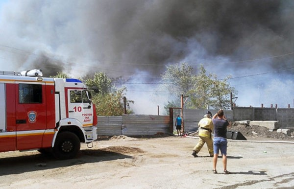 Режим ЧС введен из-за пожара в Ростове-на-Дону