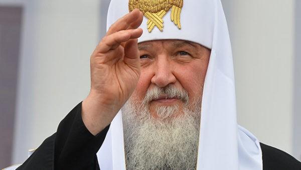 Патриарх Кирилл освятил памятник Владимиру Мономаху в Смоленске