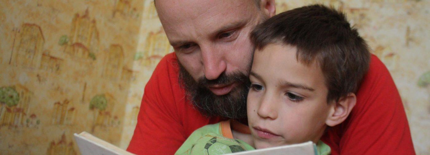 Дмитрий Емец: Вы покупаете детям книги, которые читали сами? Как это мешает и ребенку, и детской литературе