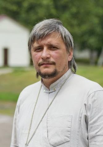 Священник Андрей Пинчук