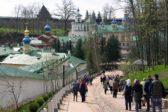 «Духовный» туризм – чума монастырей, но многим обителям нравится