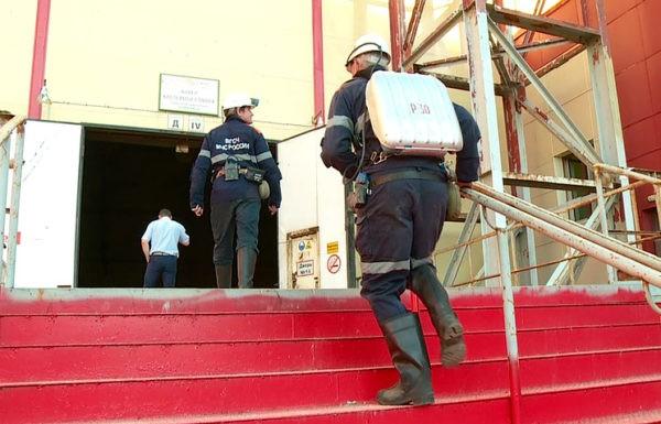 Спасатели подняли на поверхность из шахты «Мир» вышедшего на связь горняка