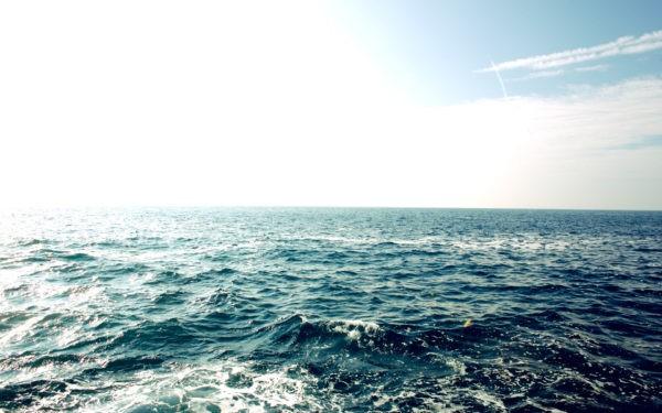 Российские пограничники спасли украинца, трое суток плававшего на батуте в Черном море