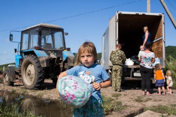 Церковь передала партию гуманитарной помощи для пострадавших от паводка в Приморье