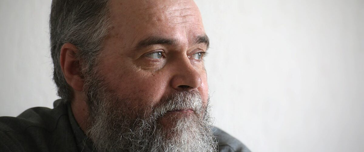 «Там был густой воздух от ропота и боли»: батюшка и врач о паллиативной помощи в Уфе